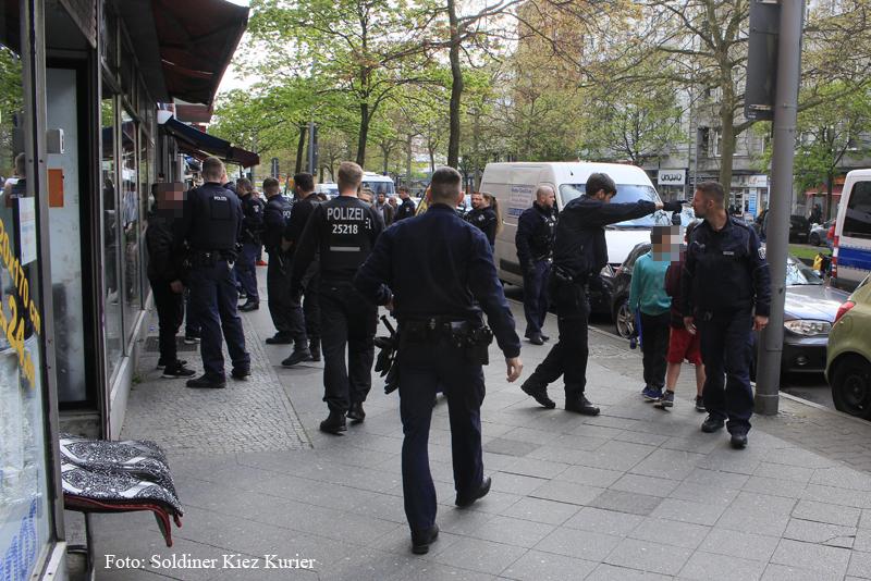 Schlägerei und Polizeieinsatz Prinzenallee (3).jpg