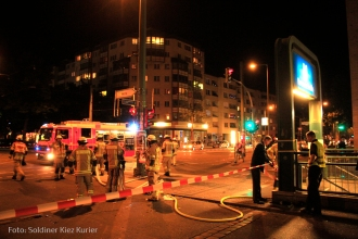 Auto fährt in U Bahntunnel bernauer strasse bergung (3)