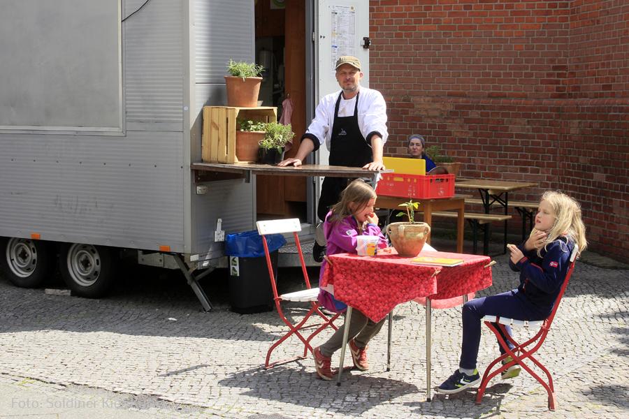 Kalbfleischeintopf bei Land Küche an der Stefanuskirche (1).jpg