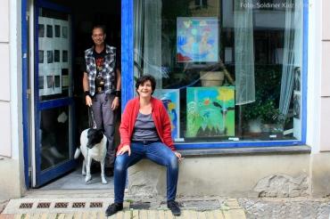 Marlene Jachmann vor Galerie eiswürfel