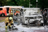 Kleintransporter Zechliner Straße Ecke Stockholmer Straße brannte aus (5)