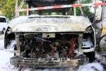 Kleintransporter Zechliner Straße Ecke Stockholmer Straße brannte aus(6)