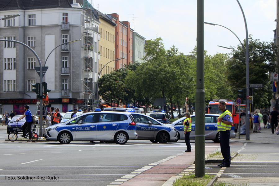 Unfall Kreuzung Osloer Strasse Prinzenallee (1).jpg