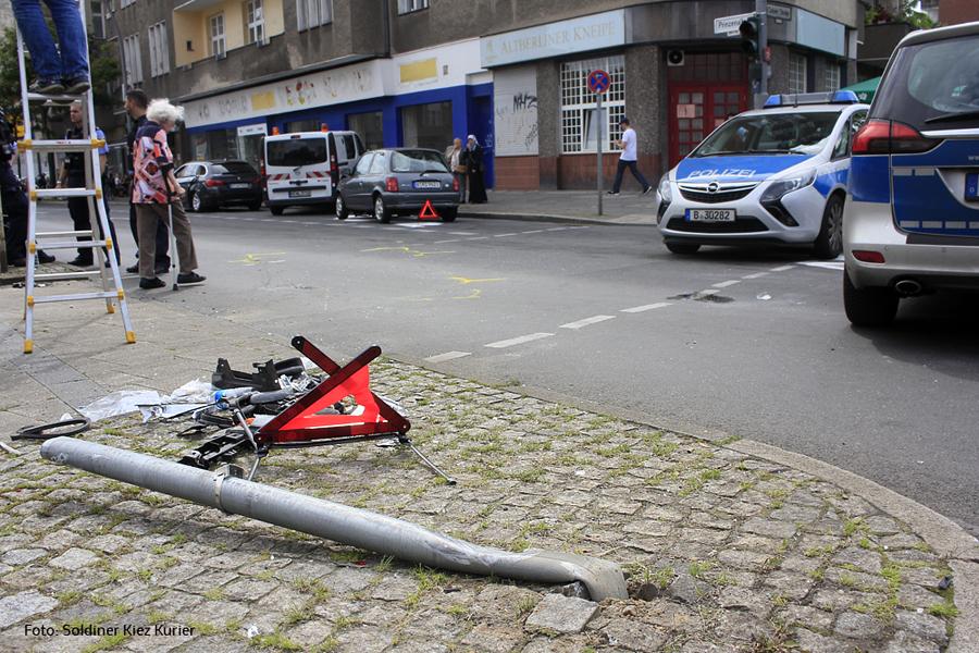 Unfall Kreuzung Osloer Strasse Prinzenallee (8).jpg