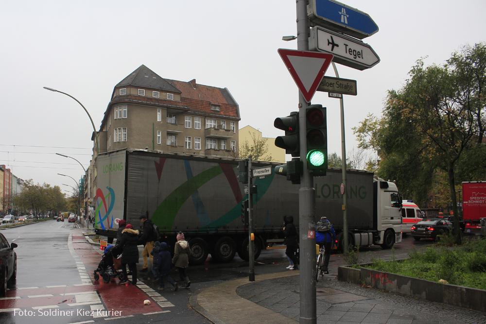 Asphalterneuerung Dsloer Strasse (2).jpg