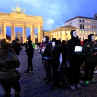 'Cube of Truth' am Brandenburger Tor Berlin