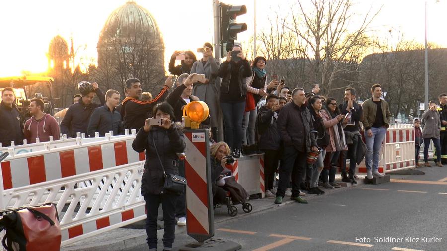 motorradkorso für berlinbrennt (11).jpg