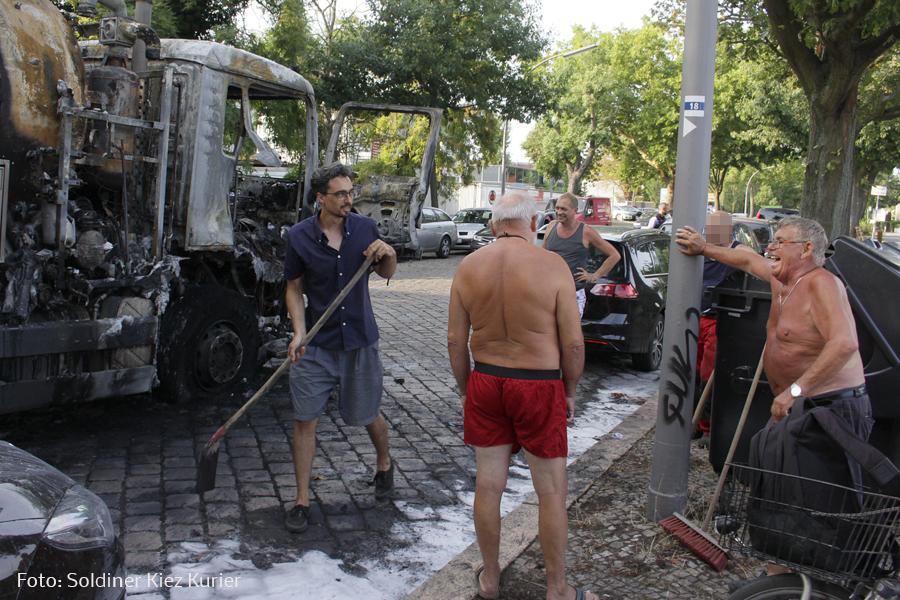 Fäkalien Pumpfahrzeug brannte Koloniestrasse (3).jpg