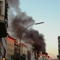 Feuer im Hof eines Wohnblocks in der Badstraße in Gesundbrunnen