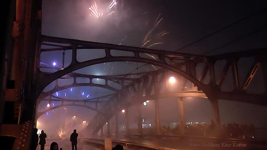 Silvester auf der bösebrücke.jpg