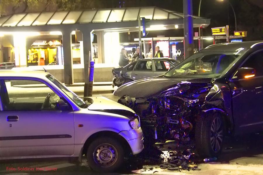 Unfall am U Bahnhof Osloer Straße (2)