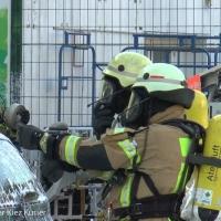 Asia Imbiss in der Drontheimer brennt - das Feuer verbreitet sich in den drüberliegenden Wohnungen