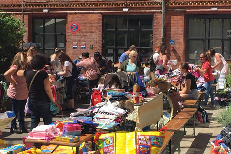 Kinder Trödelmarkt Hof Osloer Fabrik