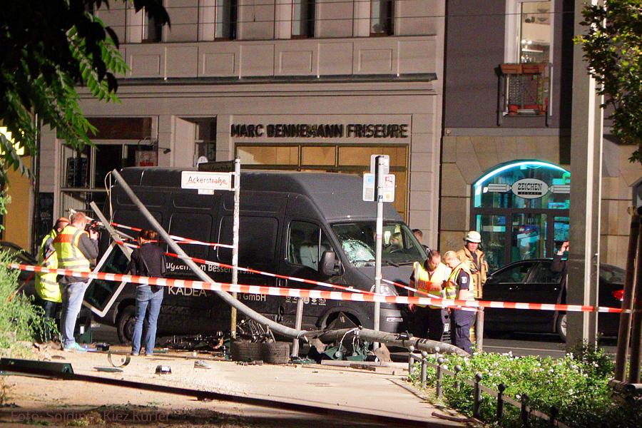 4 Tote bei Unfall Invalidenstraße Berlin(5)