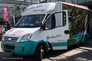 Übergabe Duschmobil in Berlin