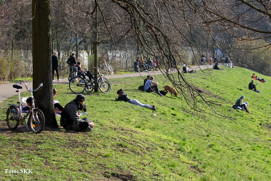 Corona Verbot in Berliner Parks (3)