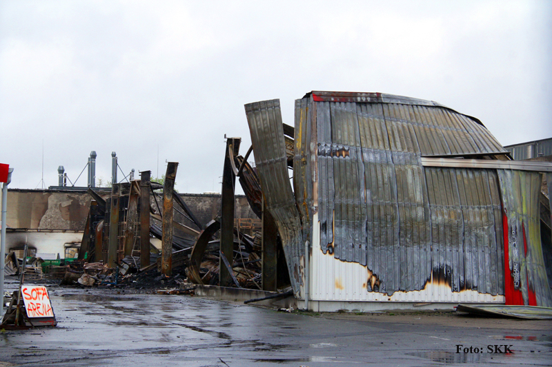 Lagerhallen in tegel brannten (10).jpg