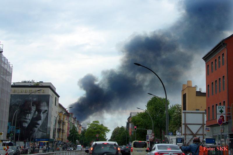 Lagerhallen in tegel brannten (2).jpg