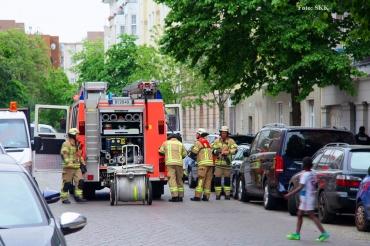 MüllContainer brannte Zechliner Straße (2)