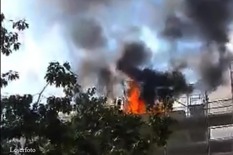 Explosion auf Dach Schönwalder Straße (1)