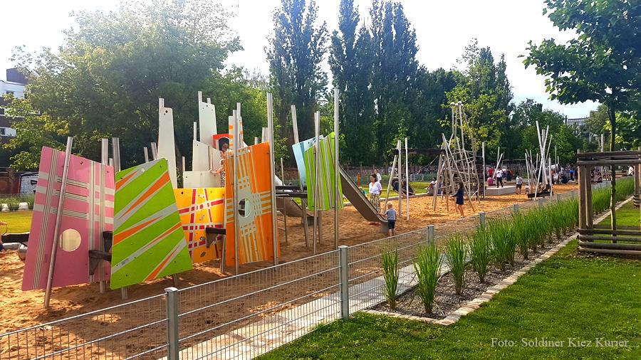 Spieplatz Mauerpark Berlin (1)