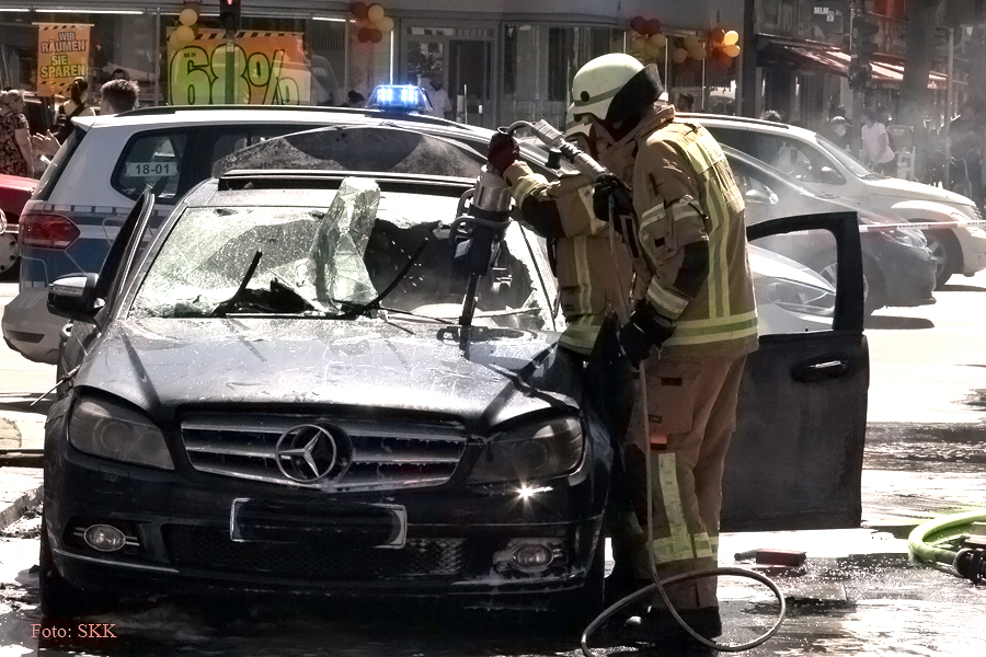 u bahnhof pankstraße auto brennt (7)