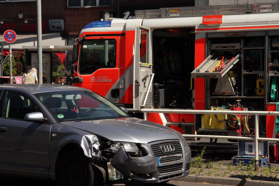 u bahnhof pankstraße auto brennt (9)