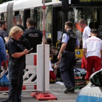 Kind geriet nach Unfall in der Soldiner Straße unter den BVG-Bus und überlebte